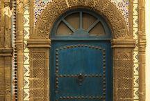 TRAVEL INSPIRATION : doors