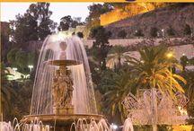 Reisgids Malaga / Reisgids Malaga.  Een handzame en vlot geschreven Reisgids over de stad Malaga met veel informatie over de bezienswaardigheden, kerken, musea, restaurants, tips en algemene informatie. www.reisgidsmalaga.nl