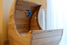 Warlord Moon Cradle / The famous all around moon cradle, made from palette wood. The diameter is 100cm. The bed height is at 42cm. The width is 55cm. It took me a week to build it.