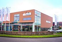 Wie wij zijn / Borghuis is dé tuinmeubelspecialist uit de regio Alkmaar. Met een showroom van meer dan 2000m² aan tuinmeubelen en accessoires, bent u bij ons op het goede adres voor het verfraaien van uw tuin!