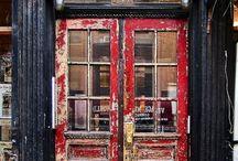 '' Doors, gates & windows '' / Kime, neye ve nereye açıldıklarını bilemediğimiz...