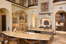 Tuscan Kitchen / Tuscan kitchen design is becoming more and more popular.  Here are some of my favorite Tuscan kitchens examples for some ideas.  To get a good look and feel of a Tuscan style kitchen, use natural elements and Tuscan colors that are reminiscent of Tuscany.