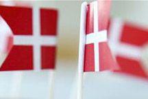 Fødselsdagsflag / Stort udvalg af fødselsdagsflag i mange størrelser hos sjovogkreativ.dk Her kan du finde fødselsdagsflag til lagkage, fødselsdagsflag på pind, fødselsdagsflag guirlander, små fødselsdagsflag til pynt på festbordet.
