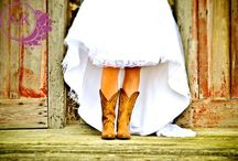 Country Wedding / by Lyndsay Maloney