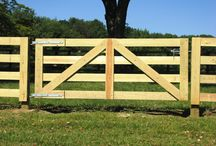 Fence Gate Ideas / by Donna Gilmore
