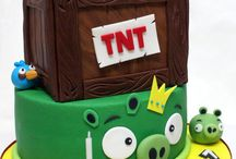 Incredible cakes & cupcakes / Beautiful designs / by Pamela Kroning