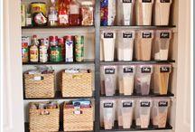 PANTRY / Ways to organize the pantry area...