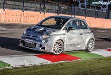 Romeo Ferraris Cinquone / Romeo Ferraris Cinquone to ekstremalna wersja modelu Abarth 500. Dostępna będzie w trzech wersjach Cinquone, Cinquone S i Cinquone Corsa. Wszystkie modele łączy nowy bodykit i 18-calowe obręcze a różnią silniki. Cinquone - 1,4-litrowy silnik T-Jet o mocy 160 KM, Cinquone S to moc 210 KM a wersja Corsa oferuje 248 KM. Niestety tanio nie będzie, ceny rozpoczynają się od 47 762 euro.