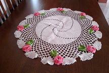 DECORAÇÃO DE INTERIORES / Centros de mesa em crochê. Decorando a sua mesa com muito charme e bom gosto!