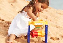 PLAST / PLASTIC / Výrobky - hračky z plastu (predovšetým recyklovaného a recyklovateľného), ktoré nájdete v našich predajniach