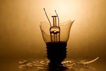 Broken bulb. Foco roto, Bombillo roto. / Broken bulb. Images.