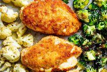 Alles von einem Blech | Tray Bake | One Pan Dinner | Sheet Pan Dishes / One Pot und One Pan Gerichte waren gestern! Jetzt gibt es Sheet Pan Dishes - Gerichte vom Blech! Gemüse, Kartoffeln, Reis oder andere Beilagen werden mit Fleisch direkt auf dem Blech kombiniert, zusammen gegart und kommen gleichzeitig auf den Tisch! #sheetpan