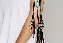 brazaletes y pulseras