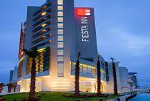 Hotel Fiesta Inn Animas /   Fiesta Inn Puebla Las Ánimas  está perfectamente equipado para satisfacer todas sus necesidades en su viaje de negocios, contamos con instalaciones, tecnología y servicios integrales que facilitan el logro de sus objetivos. Ubicados a 15 min. de la zona centro de Puebla y a 45 min. del aeropuerto   Dirección39 Pte. No. 3515 Col.  Las  Ánimas  C.P. 72400 Tel.: +52 (222) 303 16 00  Fax: +52 (222) 303 16 10  Página Web: www.fiestainn.com