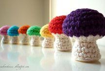 """Amigurumi / Del amor por la lana y el ganchillo pueden nacer bonitos """"amigurumis"""""""