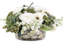 Floral Arrangements / by Courtney Compton