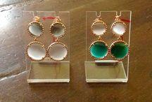 Bijoux / Braccialetto, collane, orecchini, anelli in argento, argento dorato, con pietre dure o perle.