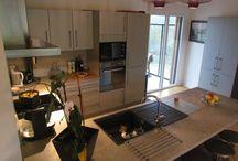 Une maison bois contre les effets des intempéries / Découvrez les avantages d'une maison bois, matériau naturel et hygroscopique.  www.ami-bois.fr
