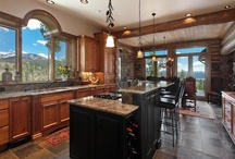 Dream Home / On a lake, with a view, lots of rich colors, space and cozy nooks!