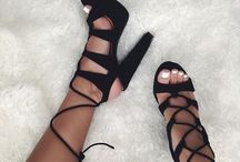Shoes × H E E L S ✨