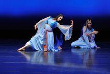 Persian dance / PERSIAN DANCE STYLE & TRENDS at DanceUs.org