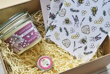 Christmas Gifts for Bee Lovers / We have created a range of festive gift ideas including candles, bee notebooks, natural honey skincare products and more. Our gift boxes are the perfect present for bee lovers & come wrapped in a sturdy kraft box and finished with a ribbon, box & tag!