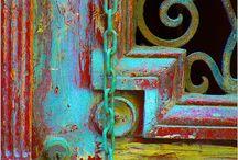porta com tipo de pátina colorida