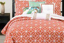 Bedding & Linens / by Shawna Stringham