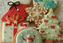Decorating Christmas cookies / by Mary Fischbeck