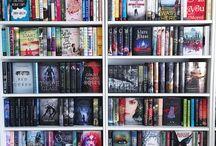 Books: Shelfies / aka my kind of porn ...