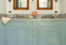 Middle floor guest bathroom / by Inga Parsons