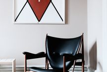 Finn Juhl icons in a special setting / Onecollection, Finn Juhl, Chieftain Chair, Tray Table, France Chair, Reading Chair.