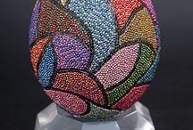 huevos en cerámica decorados