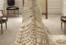 Future Wedding things <3 / by Lindsay Bucher