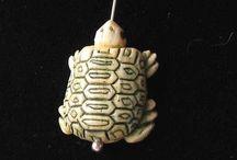 Animal Beads > Turtle / Hand carved natural gemstone beads, boxwood beads and bone beads.