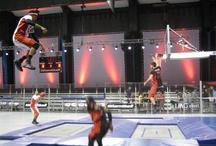 Slamball Trampoline / Prenez des trampolines de tremplin et du basketball, ajoutez-y une grande dose de freestyle... Et découvrez un nouveau sport vraiment cool : le Slamball !
