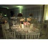 Aluguel de Mesas e Cadeiras / Realizamos com dedicação um completo serviço de aluguel de mesas e cadeiras para festas e eventos. Nosso objetivo é a sua satisfação, e para isso, disponibilizamos para aluguel produtos de alto nível e excelente design.