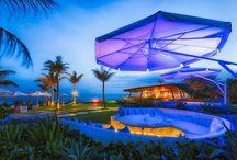 Komune Bali Weddings / Beautiful beach front weddings at Hotel Komune Bali
