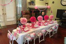 mesa invitados kity