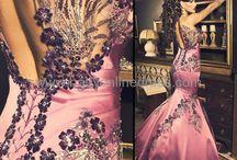 Gorgeous, Stunning, Ravishing... / by Brandy Boyd