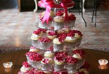 Wedding cake and cup cakes / Cakes