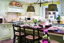 kitchens / by Pauline Burchat