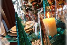 Christmas Tablescapes / Christmas Table Settings