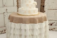 Wedding- Flowers & Cake / Wedding cake and flower ideas  / by Jennifer Jordan