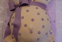 pregnant belly cakes / by Shannon Decker Brown