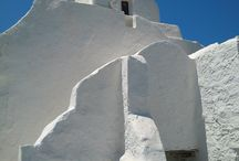 "Churches of Mykonos / A ""touch"" of God on the Island"