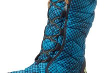 Women's Boots / Shop or massive collection of women's boots ranging from the practical to designer fashion.