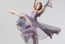 Ballet & Dancing Movements / by Jackie Pena