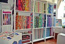 Rzeczy do kupienia / W ofercie tkaniny najbardziej znanych i utlentowanych projektantów takich jak Amy Butler, Kaffe Fassett, Anne Marie Horner, Tula Pink, Michael Miller.  on-line:  www.sevensistersfabrics.pl