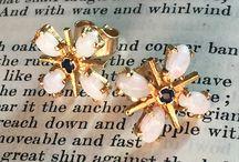 Modernist Idioms. Vintage Modernist Jewellery. / Vintage Modernist Jewellery.